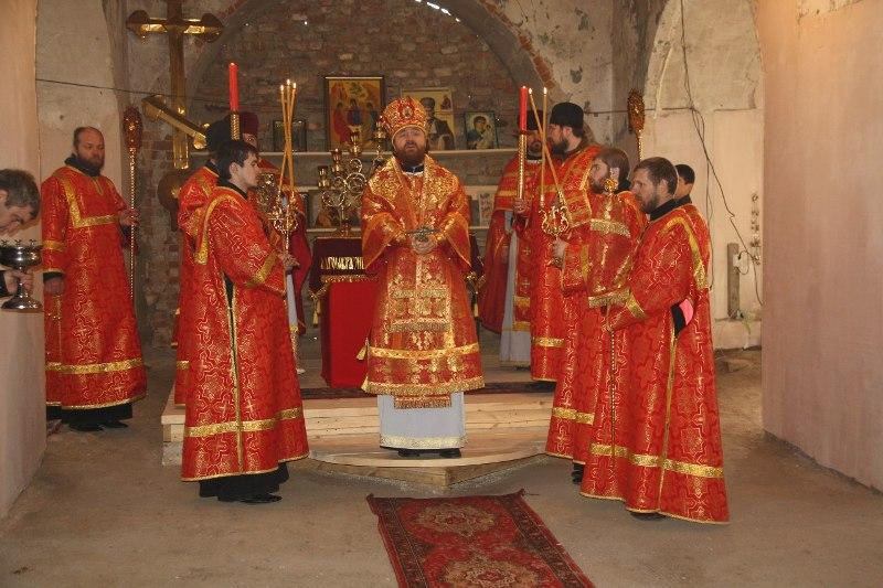 Епископ Троицкой и Южноуральской епархии Григорий совершил божественную литургию в храме Святой Живоначальной Троицы села Кособродка